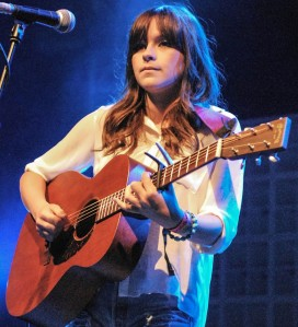 gabrielle-aplin-bestival-2012-day-three-02
