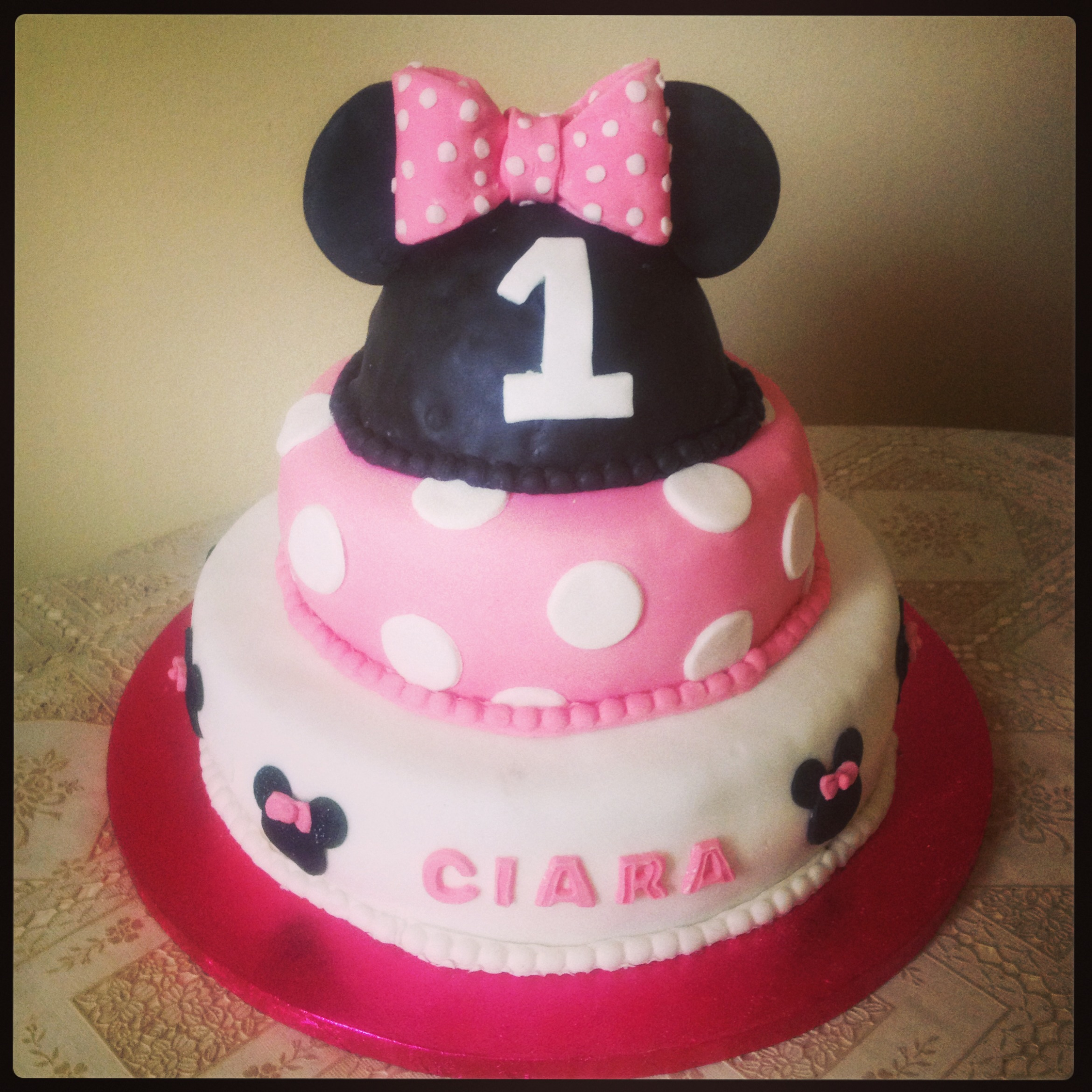 Minnie Mouse Cake BeeMinor